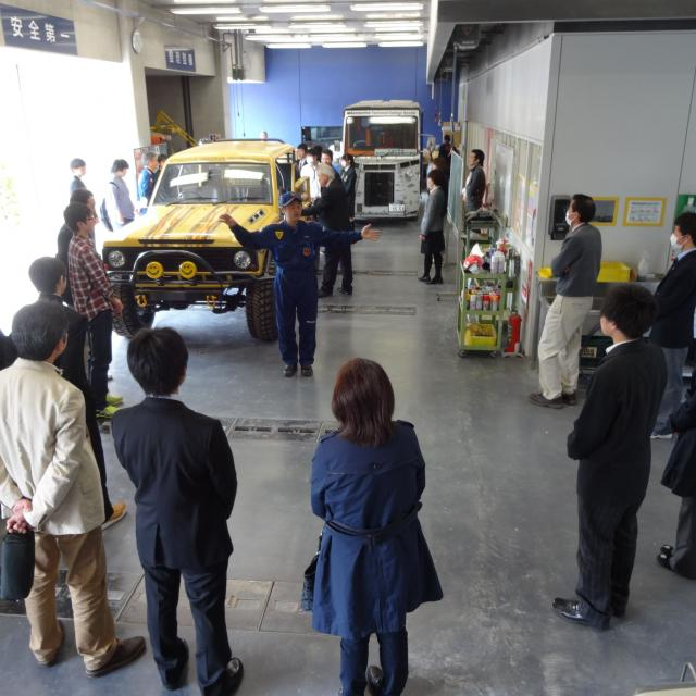 専門学校 花壇自動車大学校 憧れのスーパーカーに乗ってみよう★KADAN見学会2