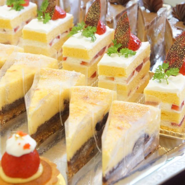 神戸国際調理製菓専門学校 「二段のウェディングケーキ」一人でつくります!!3