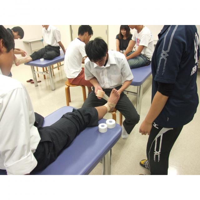 長野救命医療専門学校 2018年度オープンキャンパス開催!柔道整復師の仕事体験1