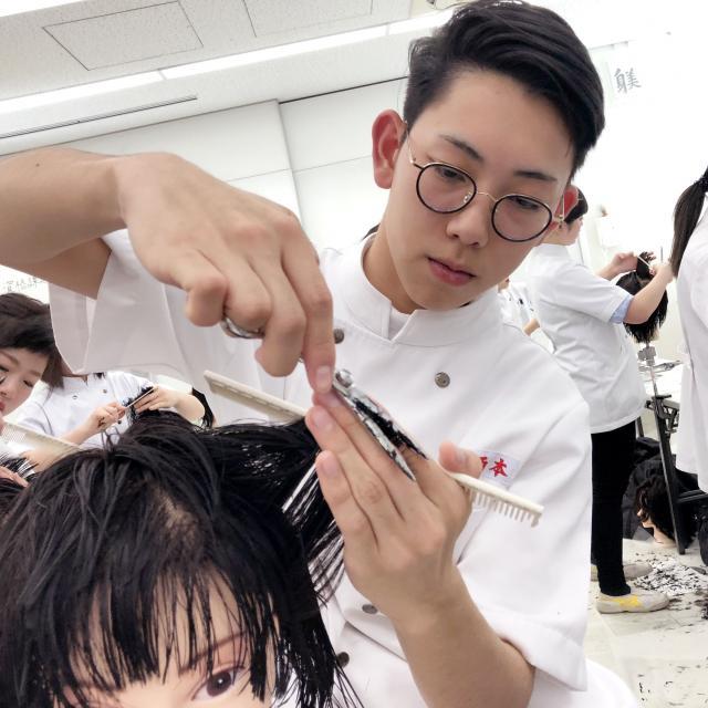 国際理容美容専門学校 見学ツアー【授業見学】1