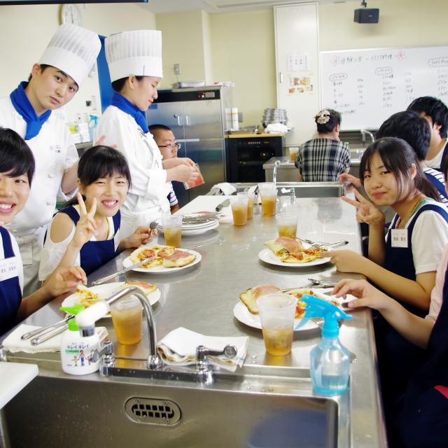 愛知調理専門学校 春を先取り♪菜花と桜海老のぺペロンチーノ!2