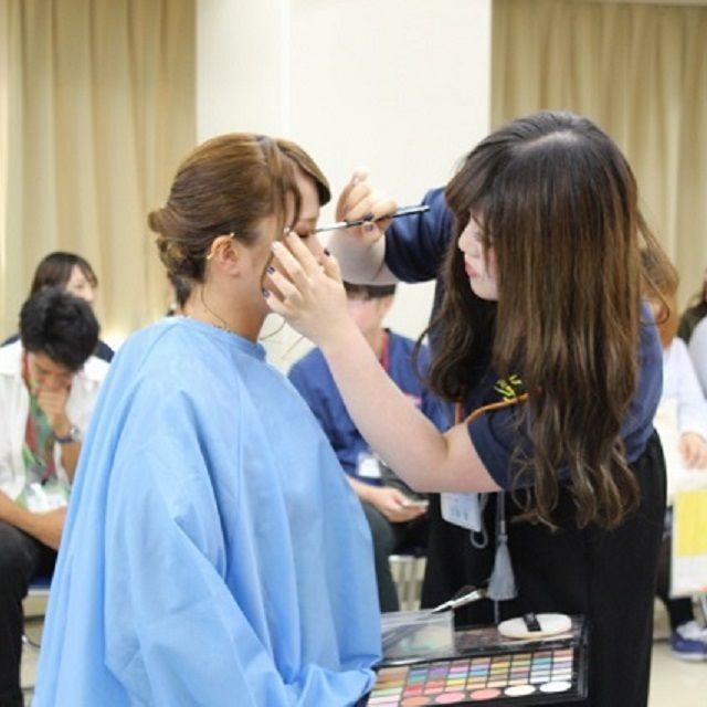 広島県理容美容専門学校 浴衣着付ショー2