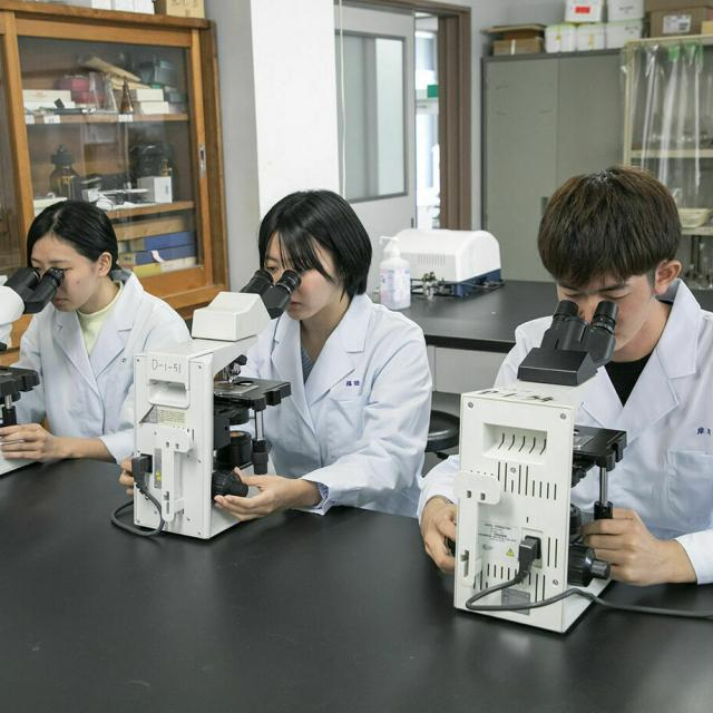 九州医学技術専門学校 「臨床検査科」の体験学習2