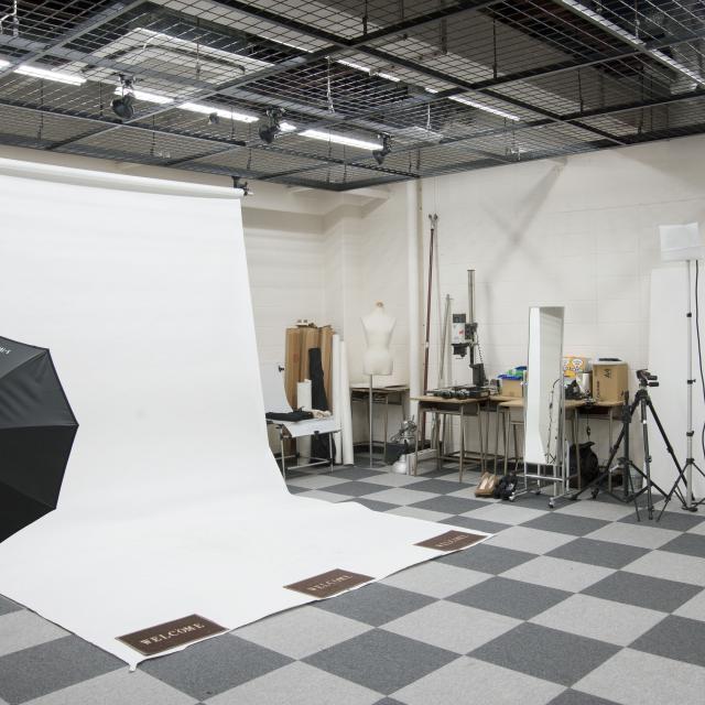 目白ファッション&アートカレッジ モデルにチャレンジ!撮影&ウォーキング体験1