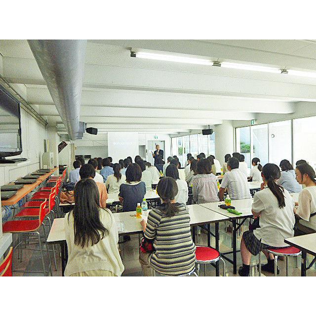 新渡戸文化短期大学 チーム医療を支える『臨床検査技師』を目指す♪体験授業♪3