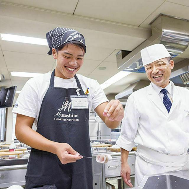 武蔵野調理師専門学校 自由にまわってチャレンジ1