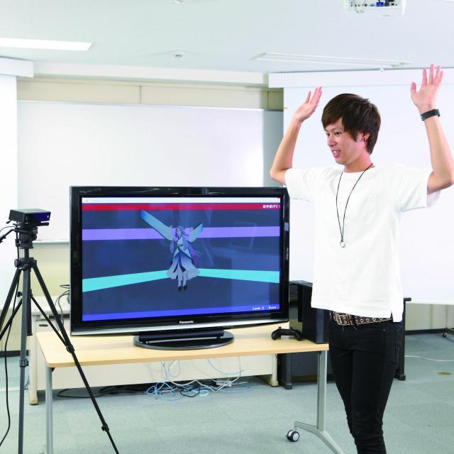 情報科学専門学校 【来校型】Xbox One ゲームプログラミング体験1