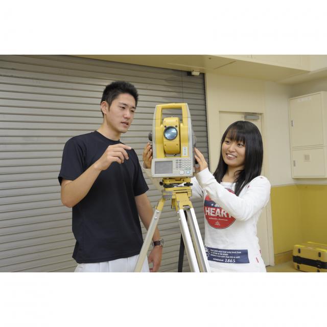 東海工業専門学校金山校 I:測量コース3