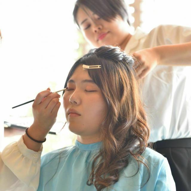 国際自動車・ビューティ専門学校 美容師学科「ヘアセット」2