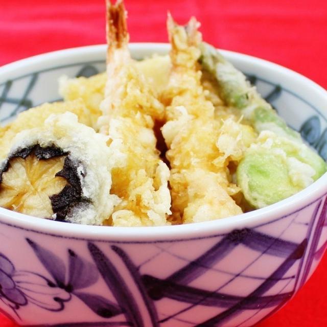 名古屋調理師専門学校 旬の春野菜を天ぷら丼に!1