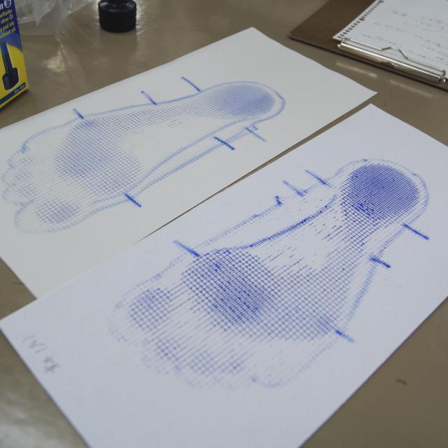 専門学校 日本聴能言語福祉学院 【義肢装具学科】自分の足を分析してみよう!2