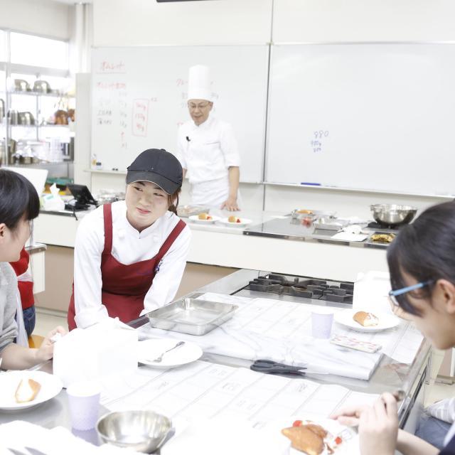 滋賀短期大学 12/8★生活学科 製菓・製パンコース体験授業3