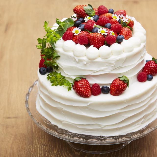 札幌ベルエポック製菓調理専門学校 【スイーツ体験】かわいくデコするウェディングケーキ!1