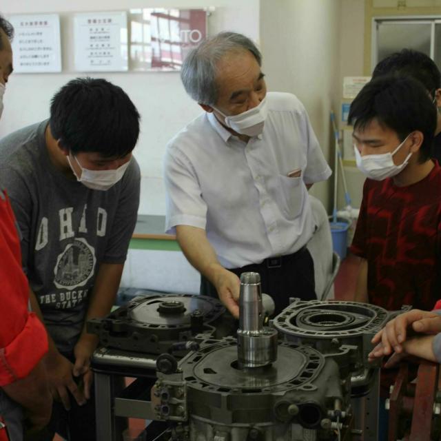 関東工業自動車大学校 【大型車整備体験】本校ならでは!貴重な体験をしよう!1