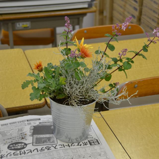日本ガーデンデザイン専門学校 カラーレッスン・色から考える庭づくり1