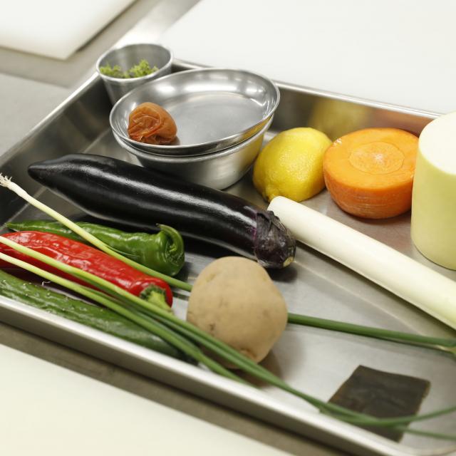 二葉栄養専門学校 ★栄養士科★ 食品の見た目の重量・実際の重量1