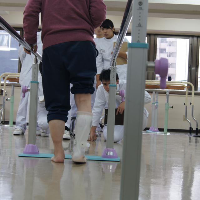 専門学校 日本聴能言語福祉学院 【義肢装具学科】脳卒中片麻痺について学んでみよう!4
