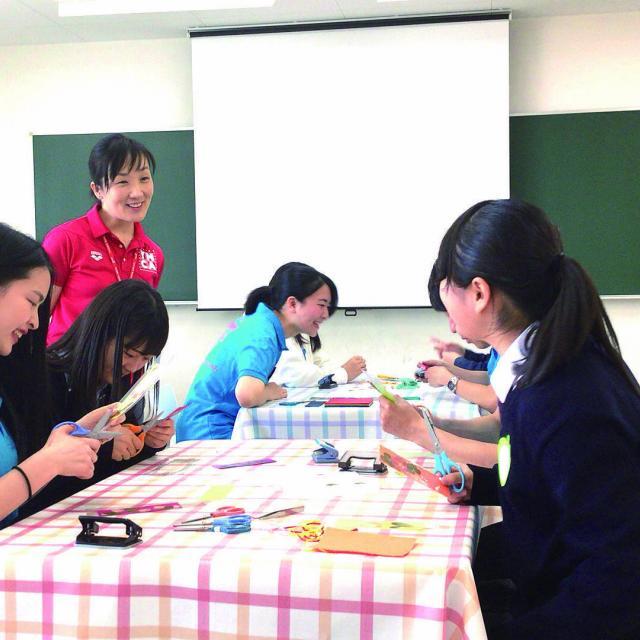 東京YMCA社会体育・保育専門学校 【工作・伝承あそび体験】作って遊ぼう!4