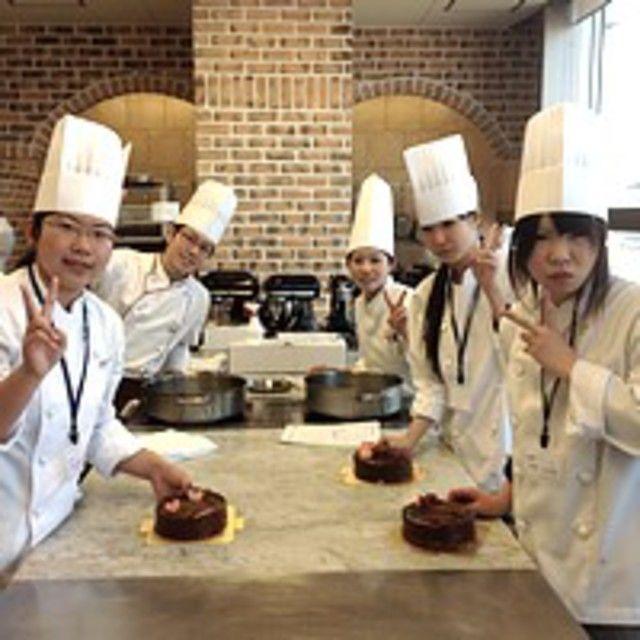 大阪調理製菓専門学校 【日本料理】華やか手まり寿司2