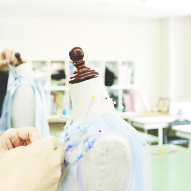 岡学園トータルデザインアカデミー ★パーソナルカラー/似合う春色コーデを探そう!★【体験授業】3