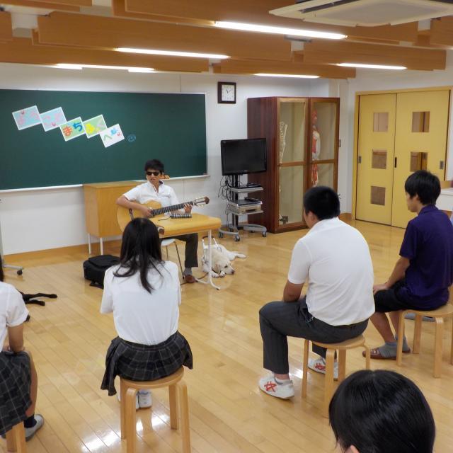 町田福祉保育専門学校 【保育系】盲導犬の理解&ペープサート1