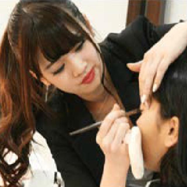 東京デザイナー学院 美容部員体験!みんなと差がつく「美人眉」を描いてみよう☆1