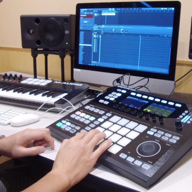 大阪スクールオブミュージック専門学校 「Cubase」で本格作曲・アレンジャー体験1