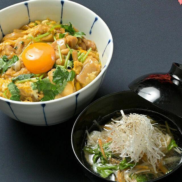 織田調理師専門学校 親子丼&沢煮椀1