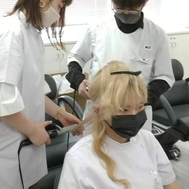 マリールイズ美容専門学校 イメージは、「秋」ヘアアレンジ!体験ORパーマ技術体験2