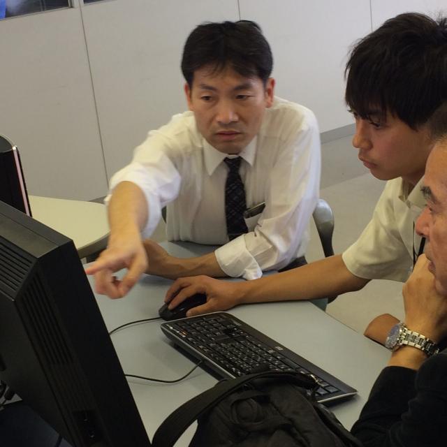 大阪電子専門学校 ランチ付き特別OC開催!一足先に先輩とモノづくりを体験できる4