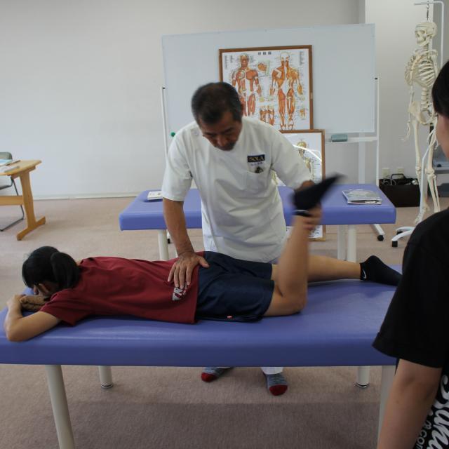 SOLA沖縄保健医療工学院 スポーツ整体・メディカルトレーナー学科「手に職を付ける」1