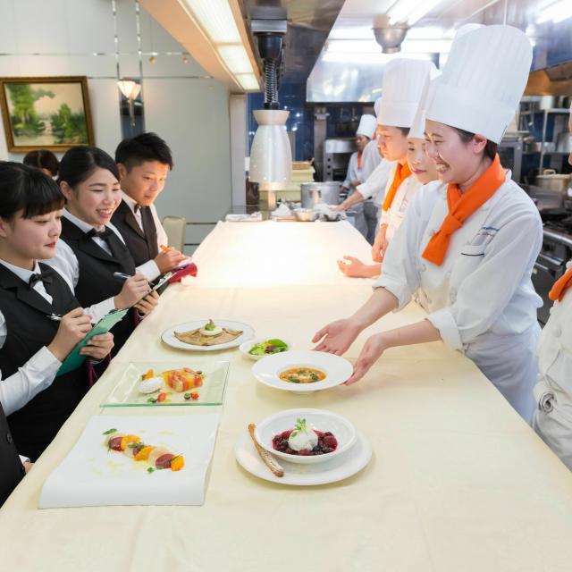 東京調理製菓専門学校 学生レストランを体験しよう3