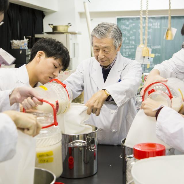 東京バイオテクノロジー専門学校 【醸造発酵コース】オープンキャンパス:バイオのコース体験3