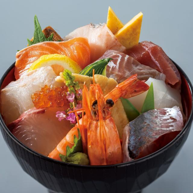 西日本調理製菓専門学校 魚を卸して海鮮丼をつくろう!1