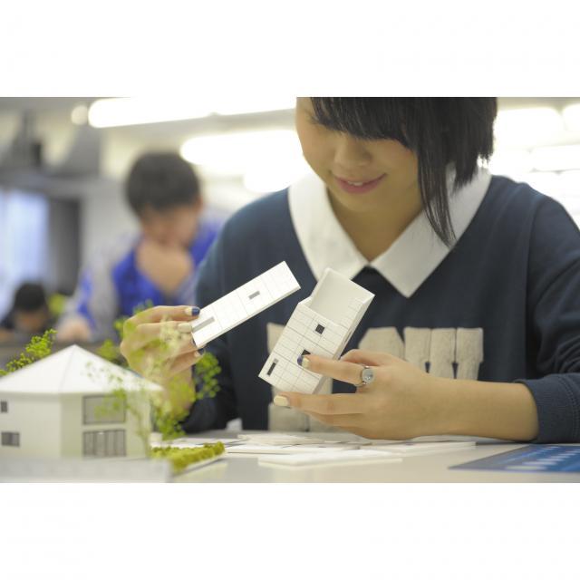 東海工業専門学校金山校 B:建築模型コース1