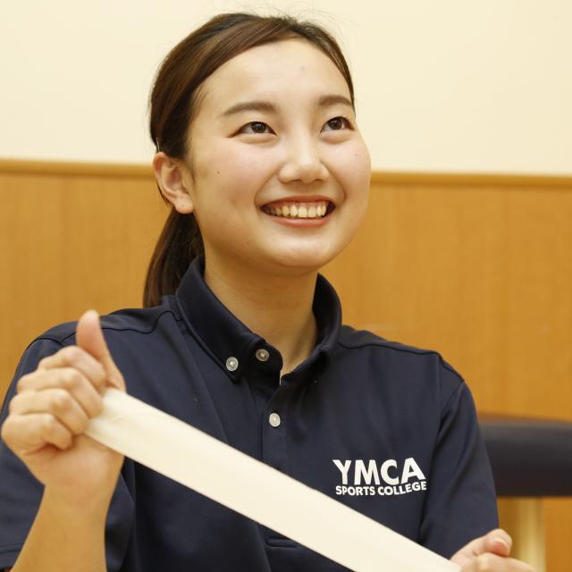 横浜YMCAスポーツ専門学校 スポーツトレーナーに学ぼう!テーピング体験授業2