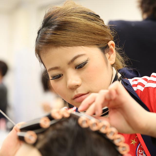 大阪ベルェベル美容専門学校 ショートスタイル×アイロンウェーブ~一歩大人に近づく一日~2