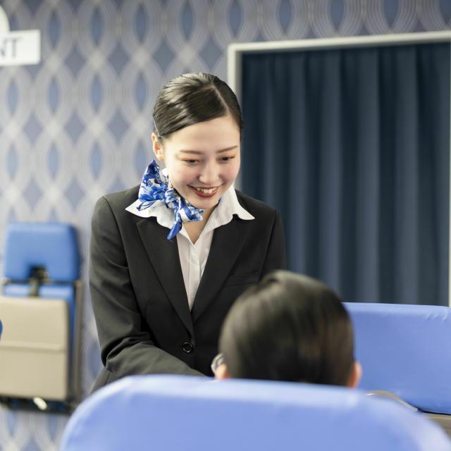 トライデント外国語・ホテル・ブライダル専門学校 憧れのフライトアテンダントになるためには1