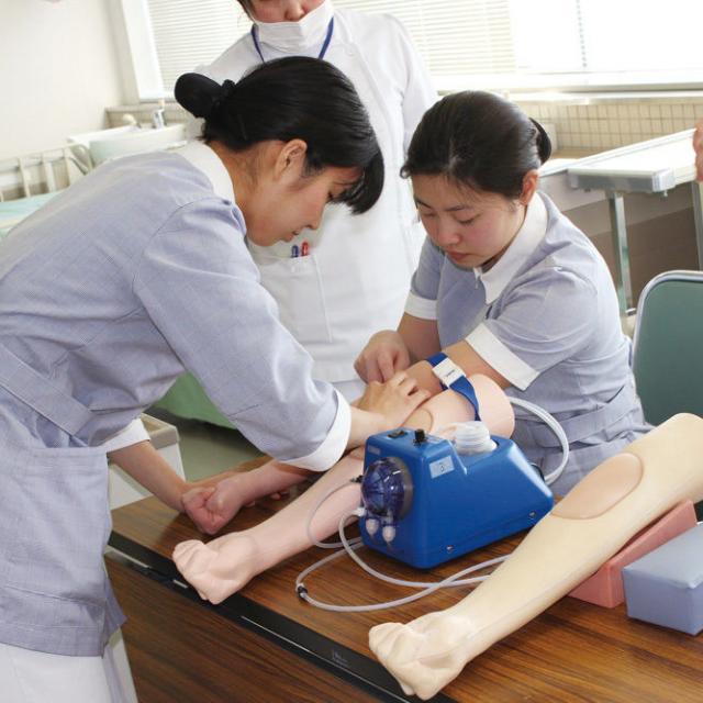 岩国YMCA国際医療福祉専門学校 採血にトライ!(保健看護学科体験)1