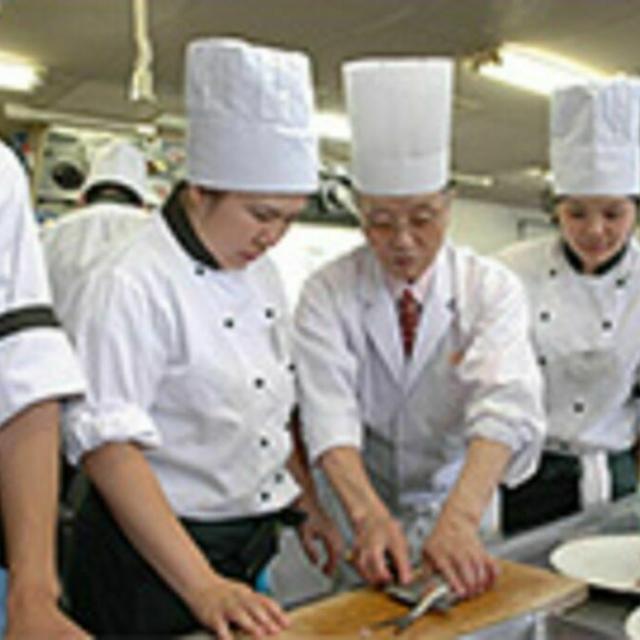 函館短期大学付設調理製菓専門学校 【日本料理】伊達巻卵・合鴨の蕪蒸しをつくろう!2