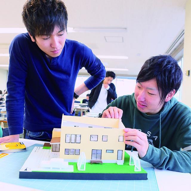 青山建築デザイン・医療事務専門学校 【建築設計デザイン科】オープンキャンパス Bメニュー無料バス4