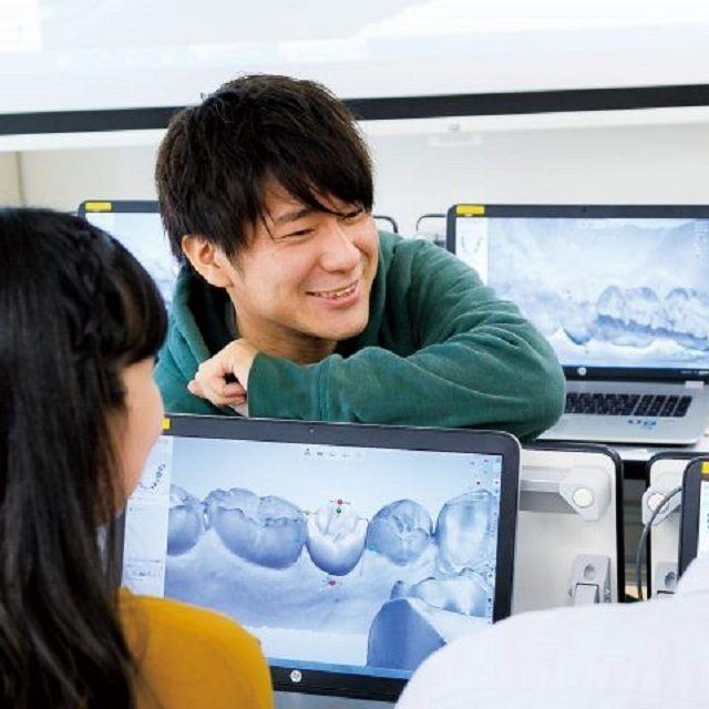 【1.2年生限定】パソコンを使ってゲーム感覚で歯をデザイン