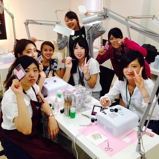 横浜ビューティー&ブライダル専門学校 【ネイル】可愛いネイルができる!☆高校2年生も歓迎♪1