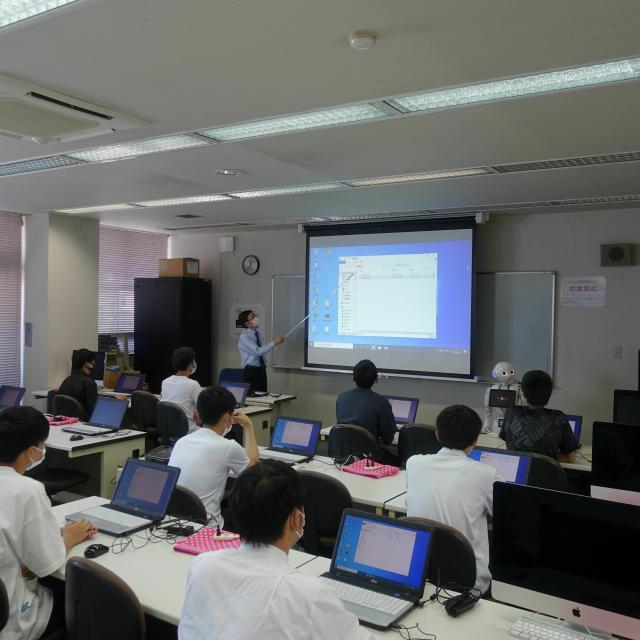 長野平青学園 【ICTシステム・デザイン科】Pythonでブロック崩し1