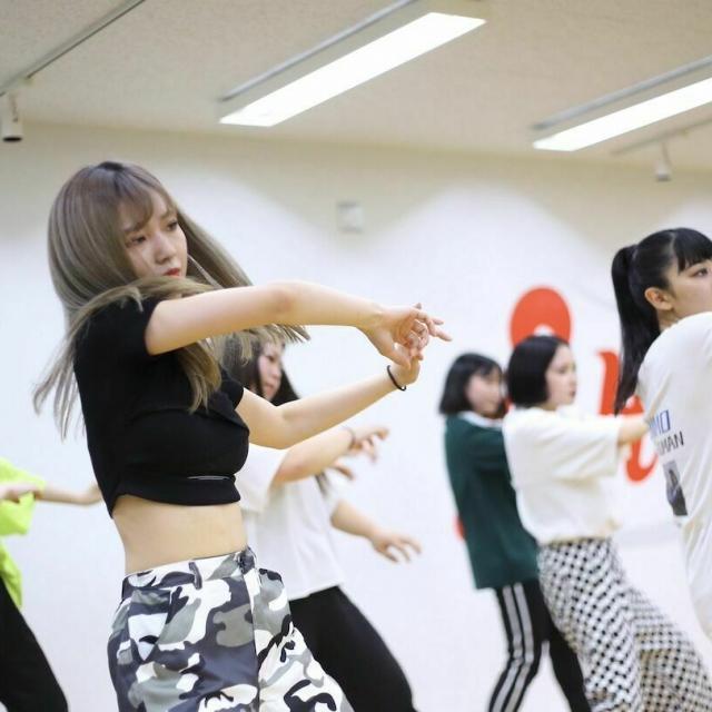 国際音楽・ダンス・エンタテイメント専門学校 K-POPアーティストのレッスン動画プレゼントオーキャン!2