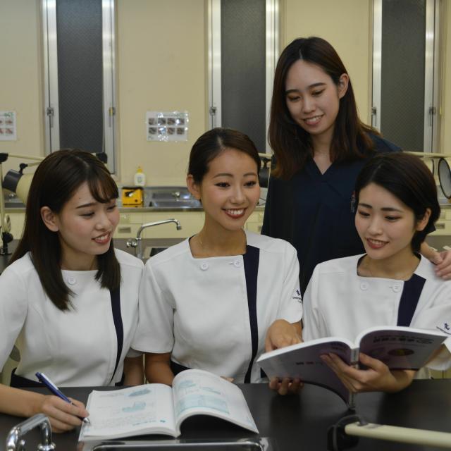 新横浜歯科衛生士・歯科技工士専門学校 【在校生スタッフと話そう】オープンキャンパス☆2