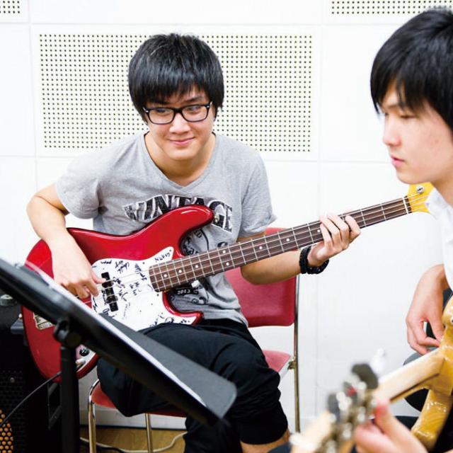 尚美ミュージックカレッジ専門学校 バンドでセッションしよう!パート別レッスン!1