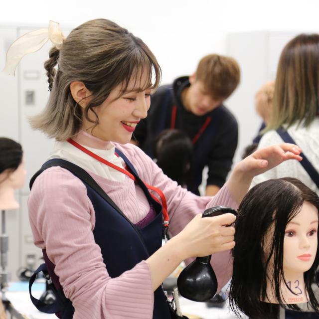 熊本ベルェベル美容専門学校 ベルェベルだから体験できる!楽しい実習がいっぱい♪2