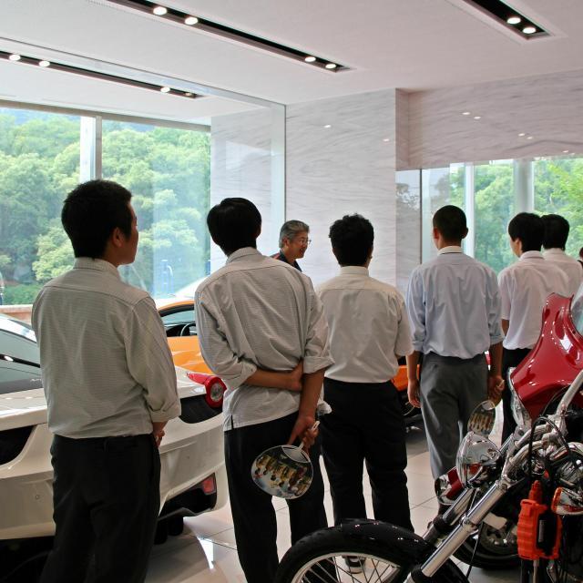 専門学校 花壇自動車大学校 車好きバイク好き必見!充実の設備を見学してみよう!1