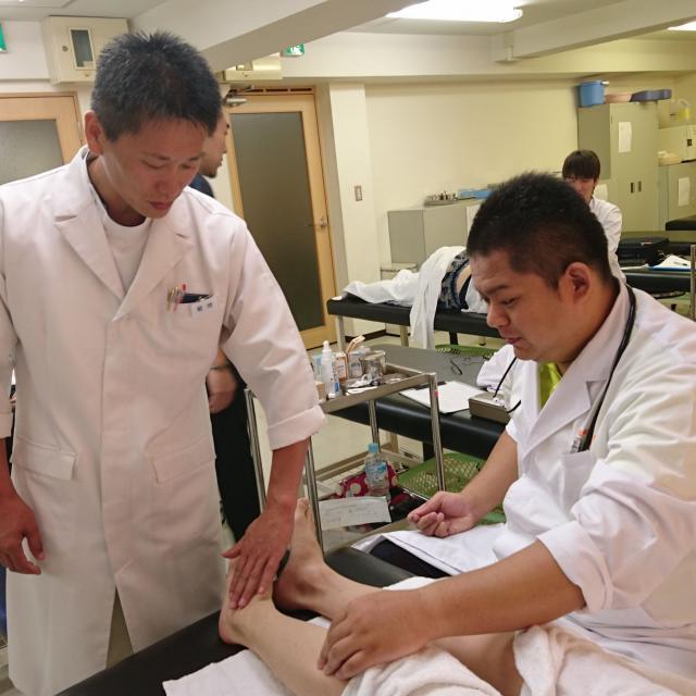 近畿医療専門学校 [平日開催の個別相談会]10:00~19:00で開催!3